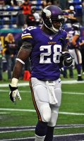 355px-Adrian_Peterson_2013