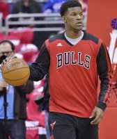 Jimmy Butler warming up with the Bulls