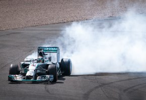 Lewis Hamilton spins out during race