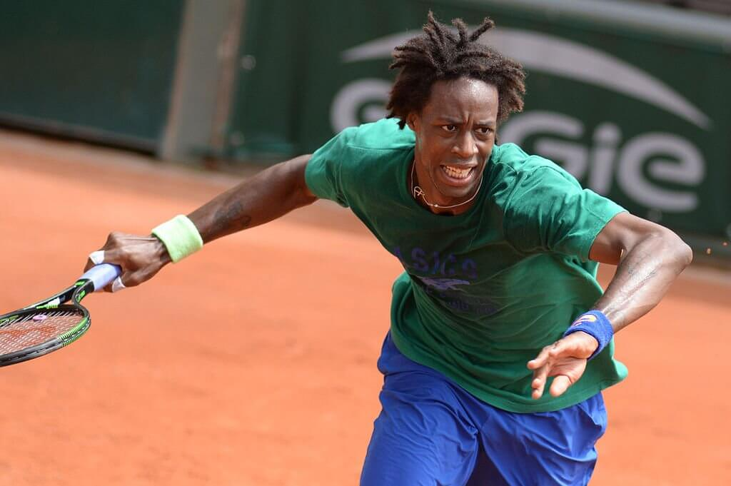 Gael Monfils playing on clay