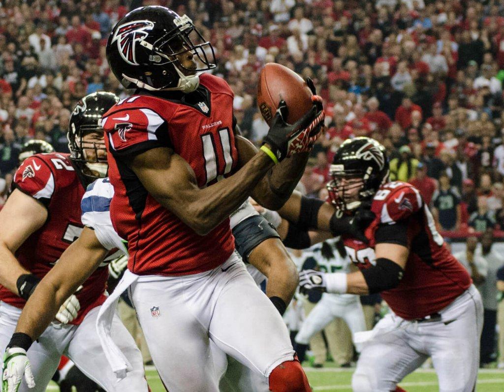 Julio Jones making a catch