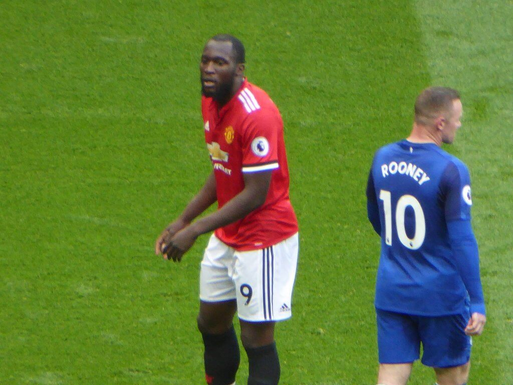 Man United's Romelu Lukaku and Everton's Wayne Rooney