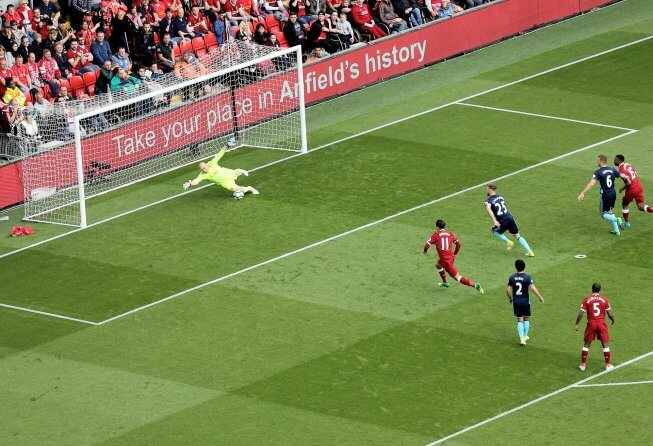 Coutinho scores for Liverpool.