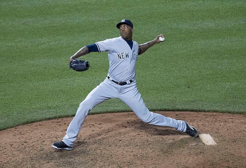 Yankees reliever Aroldis Chapman mid-pitch
