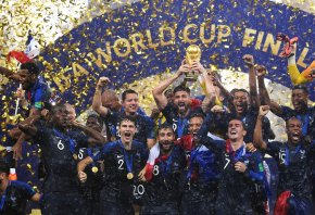 France lifts the Jules Rimet at Russia 2018.