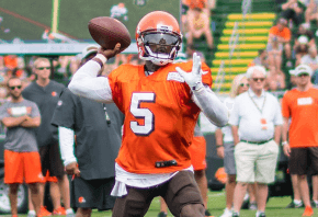 Cleveland QB Tyrod Taylor throwing a pass during training camp.