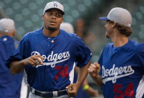 Dodgers closer Kenley Jansen jogging
