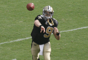 Drew Brees throwing a pass