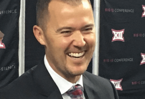 Lincoln Riley smiling