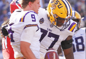 LSU's Joe Burrow hugs a teammate