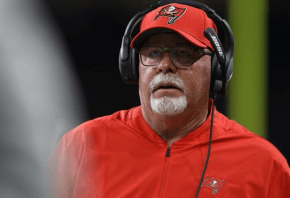 Buccaneers head coach Bruce Arians on the sidelines